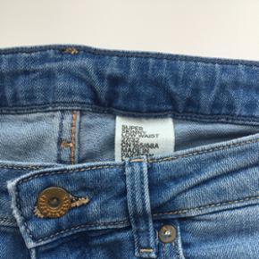 Blå jeans fra H&M Brugt få gange