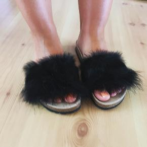 Sandaler med vaskebjørn Størrelse 37