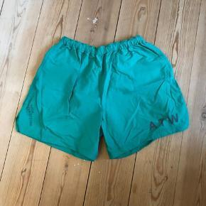 Newline Halo ATW shorts  Sample   Med lommer
