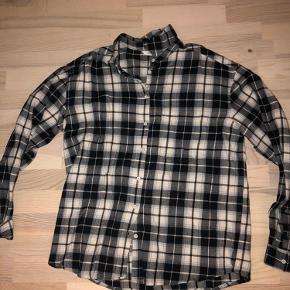 Skovmandsskjorte aldrig brugt