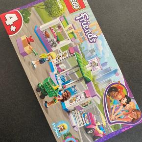 Helt Nyt lego sæt med iskiosk, Bil og supermarked og 2 Friends figurer