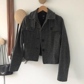 Grå kort tweed jakke
