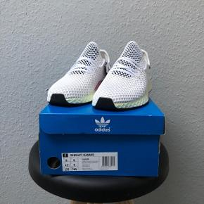 Adidas Deerupt RunnerStr 43 1/3 Cond - DSWT Pris - 500
