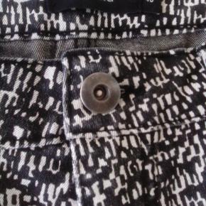 Bukser med lommer på køb og salg | Find den bedste pris! side