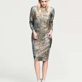 Super flot kjole, behagelig  at have på. Passer til str XS og S Ingen fejl og mangler