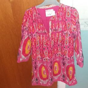 Batik mønstret kjole.