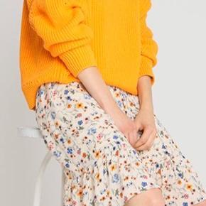 Fejlkøb, smuk kjole, købt for lille. Bredde 60 cm, længde 110 cm