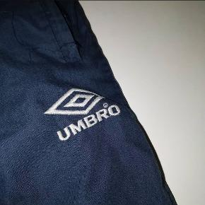 Umbro® Trackpants  Size: L (DM for fit) Price: 150DKK/23$