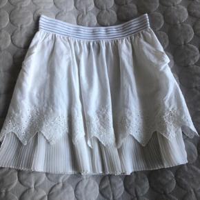 Smuk nederdel fra Designers Remix.