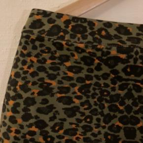Mini skirt med leopard print 🙌