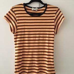 Orange/hvid/sort stribet Mads Nørgaard t-shirt