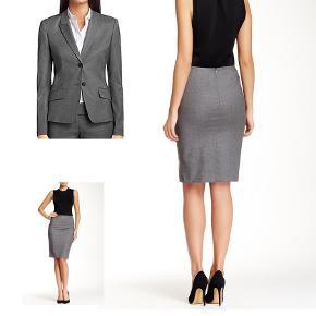 Business suit bestående af blazer og nederdel  Jadena blazer brugt få gange RENSET Nypris 2999 kr 700 kr  Nederdel str. 36 Nypris 1299 500 kr  SAMLET 1000 kr  Jeg har også blazeren til salg i sort