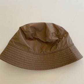 Arket hat & hue