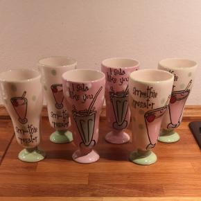 Fine porcelænsglas, ingen skår.Afhentes i aalborg Kig mine andre annoncer