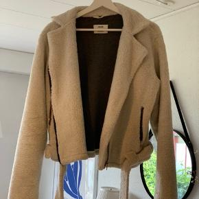 Virkelig lækker jakke fra Mads Nørgaard. Str 38💕