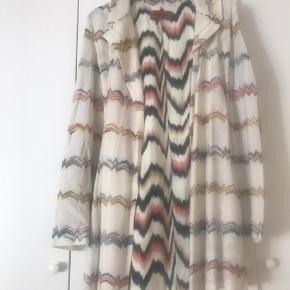 Meget flot cardigan/ sommerjakke fra Missoni. Købspris 16.500. Købt hos Leah Maria i  Charlottenlund for et par mdr siden.