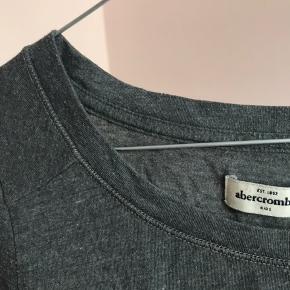Lækker trøje fra Abercrombie. Køber betaler fragt