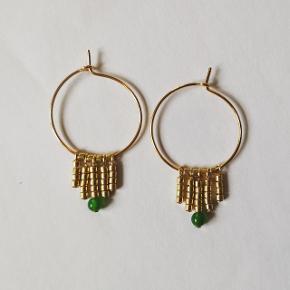 Håndlavede smykker i forgyldt materiale. Smukke, enkle og billige 🔸▫️🔹