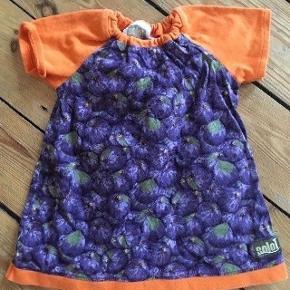 SoloT kjole str 80 - fast pris -køb 4 annoncer og den billigste er gratis - kan afhentes på Mimersgade Kbh n - sender gerne hvis du betaler Porto - mødes ikke ude i byen - bytter ikke
