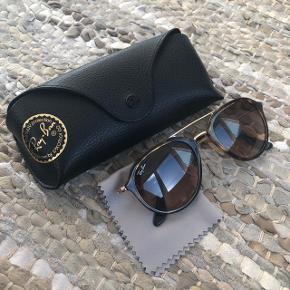 Næsten nye Ray-ban solbriller - brugt få gange, købt i sommeren 2018.  Nypris 1595kr