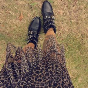 Lang nederdel i leopard print str small. 70 kr plus porto Leo