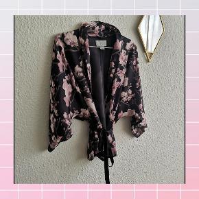 Fin Kimono/Cardigan i str. XS/S 🌸🌸🌸