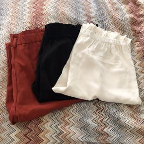 Zara easy to wear trousers in size m. 250 kr for all 3.