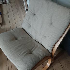 Dejlig siestastol sælges grundet flytning. Ældre af dato, men velholdt.