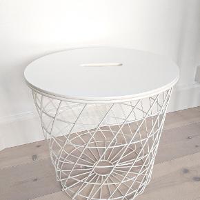 Ikea kvistbro bord med opbevaring. Diameter 44, højde 42 cm. Nypris 299,-