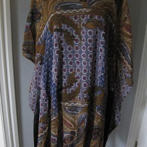 Ny Masai transparent kjole /kaftan str XL Bm 2x70 cm går lige ned Længde 98 cm - viskose ingen stræk - løst sort bredt bindebånd - 225 kr plus porto (m8894)