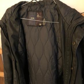 Lækker jakke fra G-star - kan stort set ikke se den er brugt.