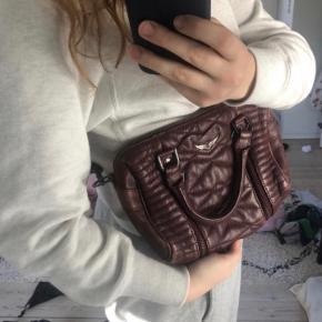 Sælger denne zadig taske Den er slidt, og prisen er sat derefter