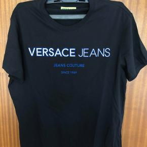 Lækker VERSACE t-shirt i sort (regular fit)