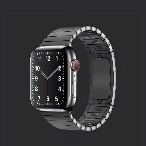APPLE WATCH SERIES 5 STAINLESS STEEL SPACE BLACK. GPS & CELLULAR. Apple Series 5 Stainless steel i Space Black med stainless steel urrem i space black. 44mm (Værdi 3600 kroner). GPS & Cellular. Ulåst og kan bruges med mobilselskaber. I perfekt ny stand. Samlet værdi 10.700 kroner. Kommer med bokse, oplader og kvitteringer. SERIØSE BUD MODTAGES GERNE. Vær venlig ikke at kontakte mig med useriøse henvendelser.