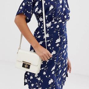 Yumi kjole