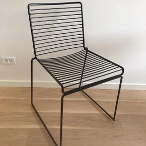 Hay hee dining chair stole sælges. Har 2 stk. Fejler intet. Nypris 1200kr stykket. BYD :-)