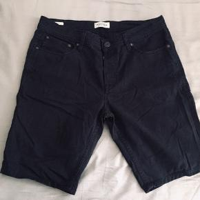 Black J&J Shorts, Size M. Waist length - 88 cm around.  Used only a few times - in great condition.  PM for any additional info 😊