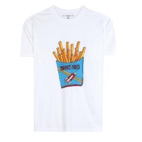 """Fin T-shirt i lækker kvalitet med """"Rocket fries"""" print. Brugt 5-6 gange men i god stand.  Nypris 399"""