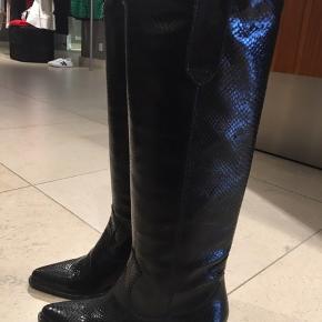Smuk, lang støvle