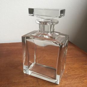Stor parfumeflaske i glas, H:19cm
