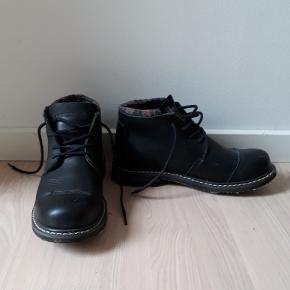 Modarodeo Earthholders!?Købt i Sport 24 Lækker tung herre læderstøvle Brugt få gange (af mig)