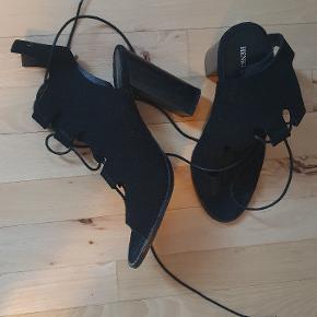 Henry Kole heels