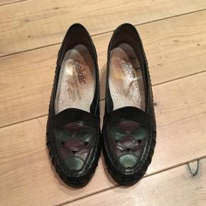 Flotte rieker retro / vintage sko i læder. Str 39. Standen er perfekt.