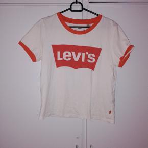 T-shirt fra Levis. Str S 50 kr😊