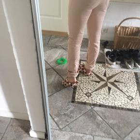 Lyserøde bukser 😊
