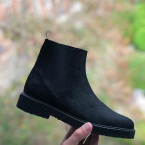 Helt nye Chelsea boots fra GP sælges for min søster. Aldrig brugt!