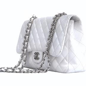 Chanel jumbo fra 2009 Kommer med dustbag  God men brugt, har mindre slid på hjørner Se billeder   Mp 26.000