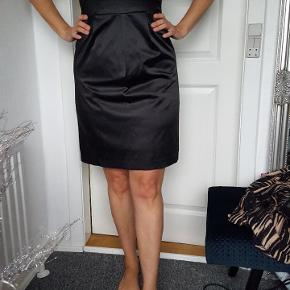 En lille sort kjole som passer til alle lejligheder