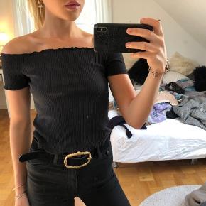 Zara off shoulder top sælges