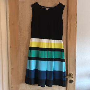 Fin kjole fra Anna Field Str. 40